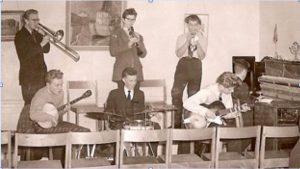 """School band jazz: Magnolia Jazzband (1953-1957), one of Gothenburg's """"best"""" school bands, playing Dixieland at Kålltorp's youth centre in 1955. Taken from Wågerman 2010:157"""