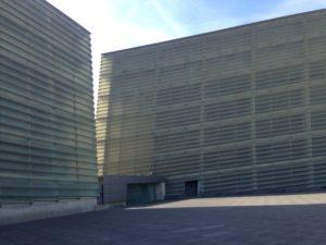 Kursaal, an intersection of two boxes, no way through